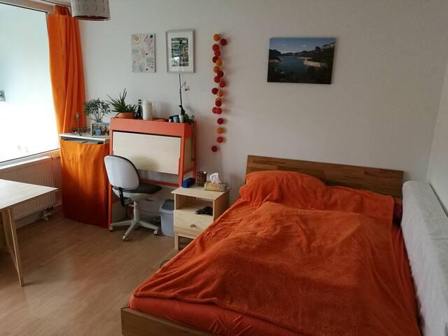 Kuscheliges WG-Zimmer in Ramersdorf