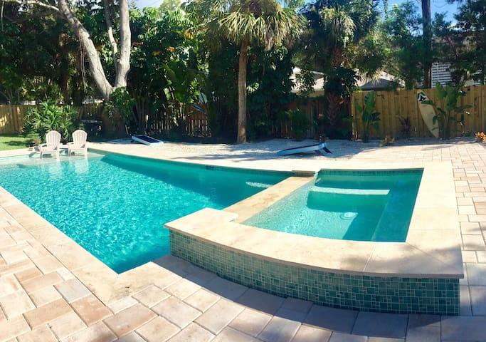 WOW! Pool, Jacuzzi, Pool Table, Kayak & Near BEACH - Bradenton - House