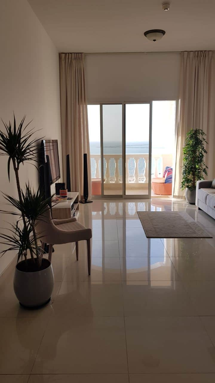Stylish sea view apartment on golf course