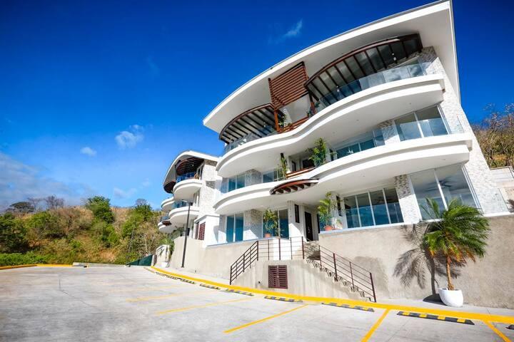 Luxury Ocean View Apartment W/ Pool - Sleeps 6