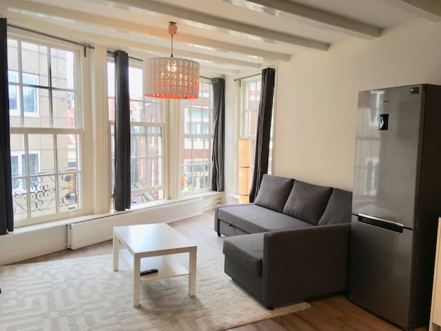 1 min from central station Private apartment