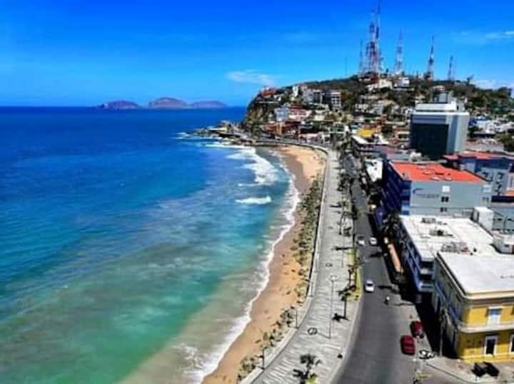 Centro-Walk to beach&malecon Nov Specials. Netflix