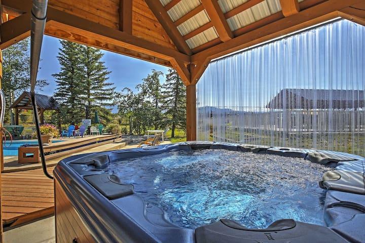 Grand Lake Condo w/ Balcony & Community Hot Tub!