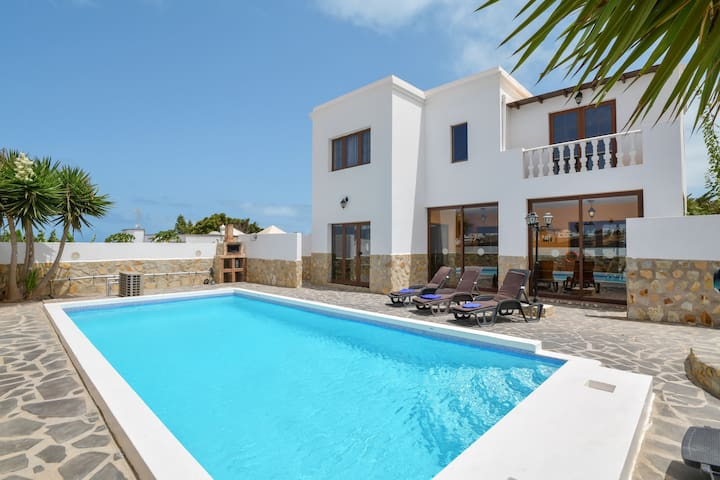 """Luxurious and Spacious Holiday Home """"Villa María"""" with Terrace, Pool, Sea View, Wi-Fi &TV; Parking Available"""