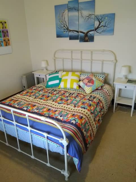 Single room in Whyalla town centre