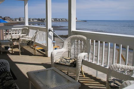 Direct waterfront beach house - Milford