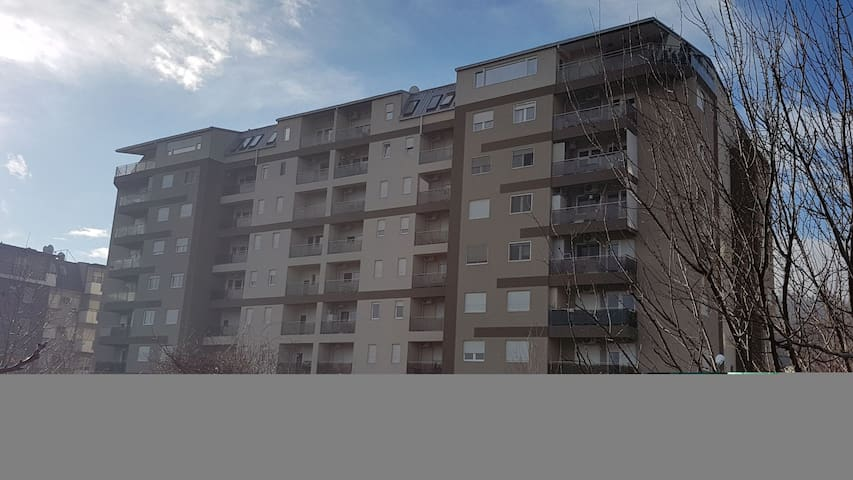 Modern,Private 1BR, near City Mall, FREE parking