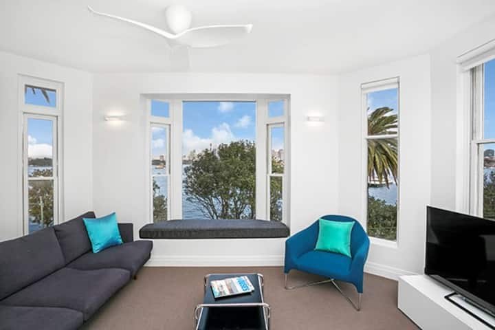 CP308 - Perfectly Positioned Exclusive Apartment