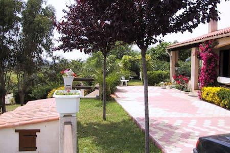 Maison climatisée,  avec jardin, proche Ajaccio