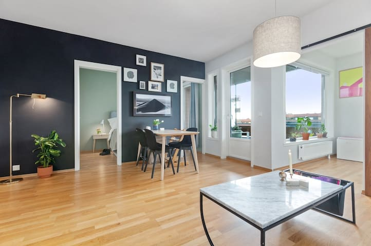 Modern apartment near Sculpture Park and Museums!