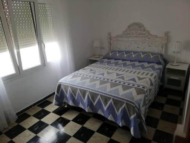 Habitacion principal , cama de 150 x 200