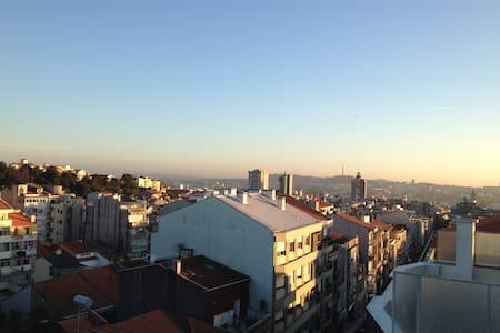 Top floor apartment, amazing view - Porto - Apartemen