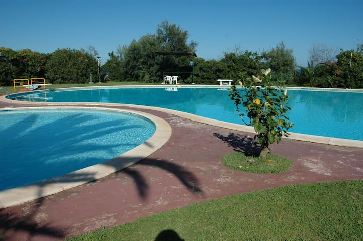 Accogliente villetta con giardino, vicino al mare