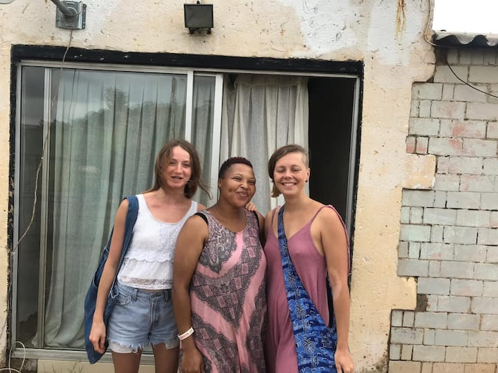 Authentic Soweto Experience. Homely and Sisterly.