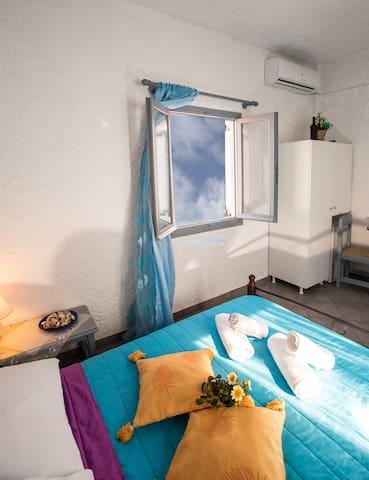 STANDARD DBL ROOM VOLCANO VIEW - Fira - 家庭式旅館