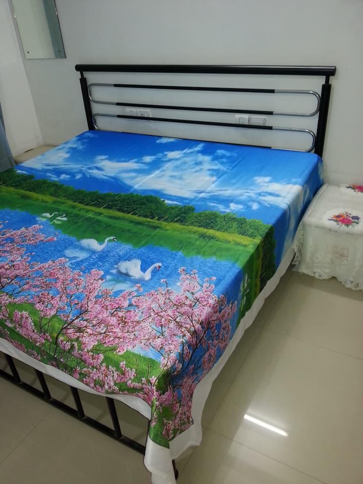 High Value Bedroom, att Bath, Balcony, free Wifi