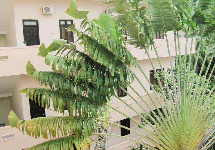 Comfort Balcony Room with Garden & Hill View - Thành phố Buôn Ma Thuột - 旅社