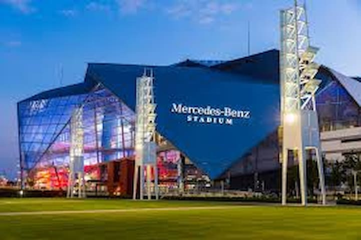 Super Bowl 53- Just steps from Stadium-  $99