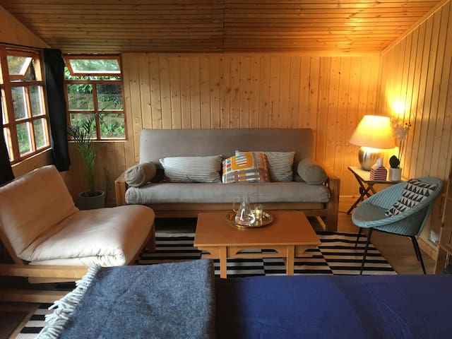 Peaceful Garden Cabin with easy access to London