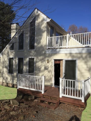 Family and Pet Friendly 3BR Poconos Rental