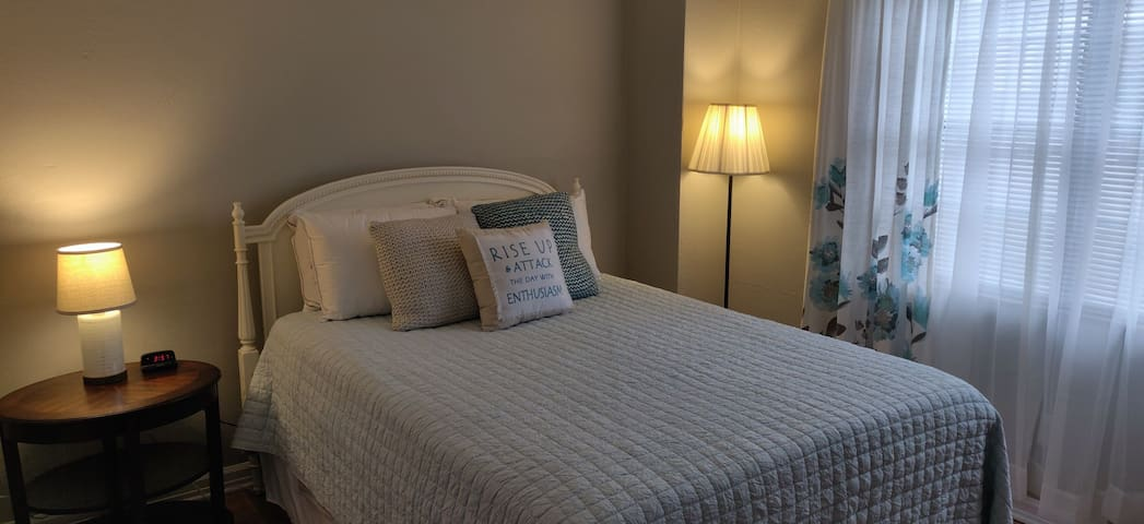 The master suite has a queen bed with gel foam mattress to offer rest after a long day of touring.