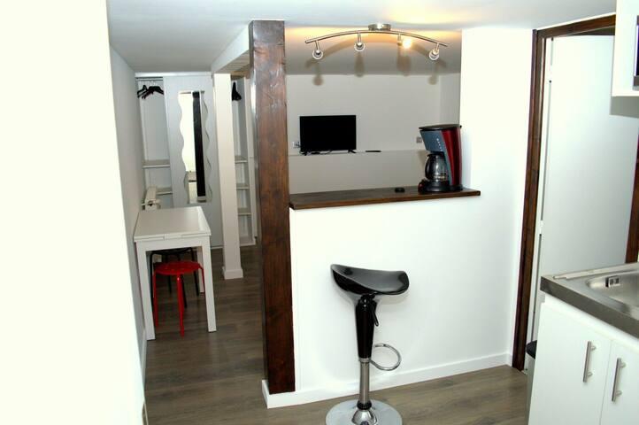 Studio privé en pavillon - Neuilly-sur-Marne - House