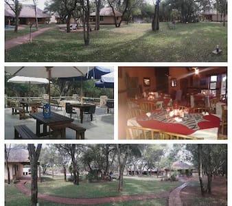 Rra-Ditau Farm Lodge - Marakele National Park Road