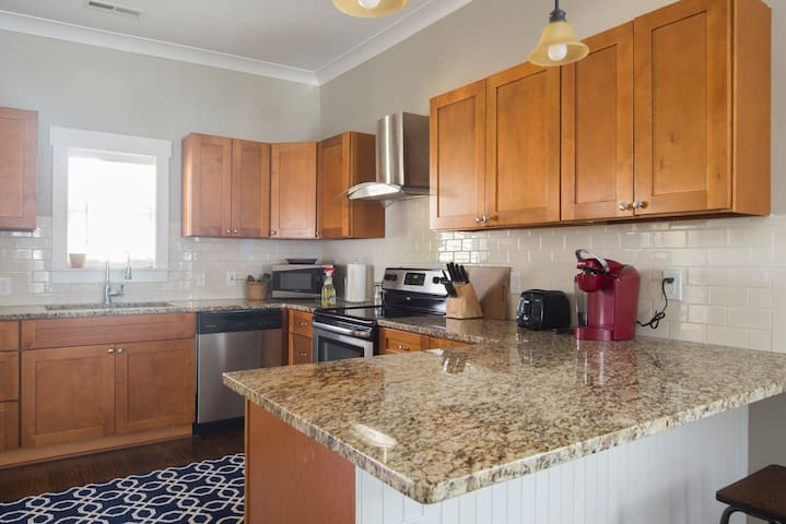 Kitchen will come fully equipped for all your cooking and dining needs.