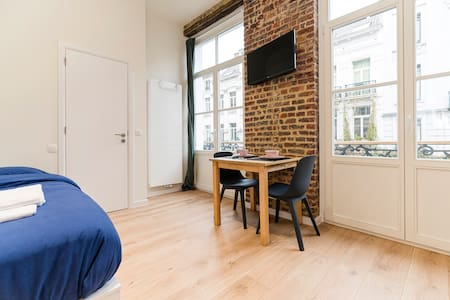 Cosy red-brick studio in the heart of Brussels