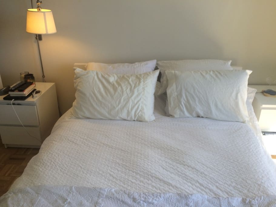queen size bed, fresh linens