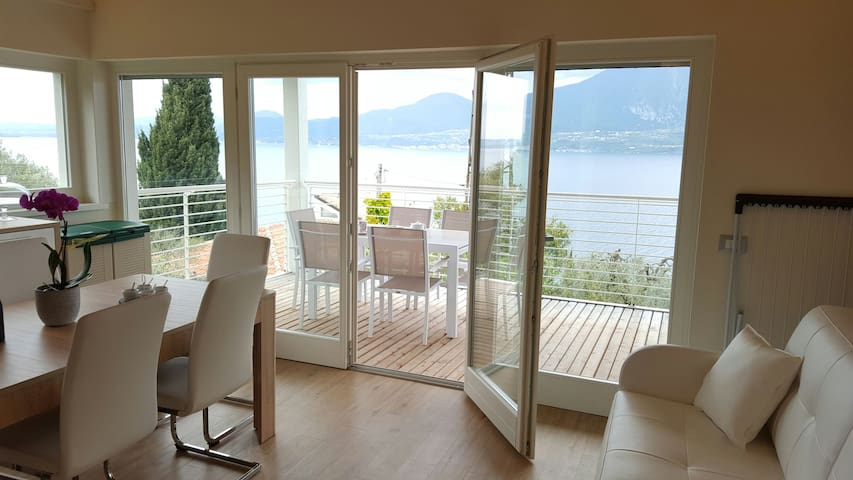 Villa con sauna,campo da tennis,piscina,vista lago - Torri del Benaco - Huis