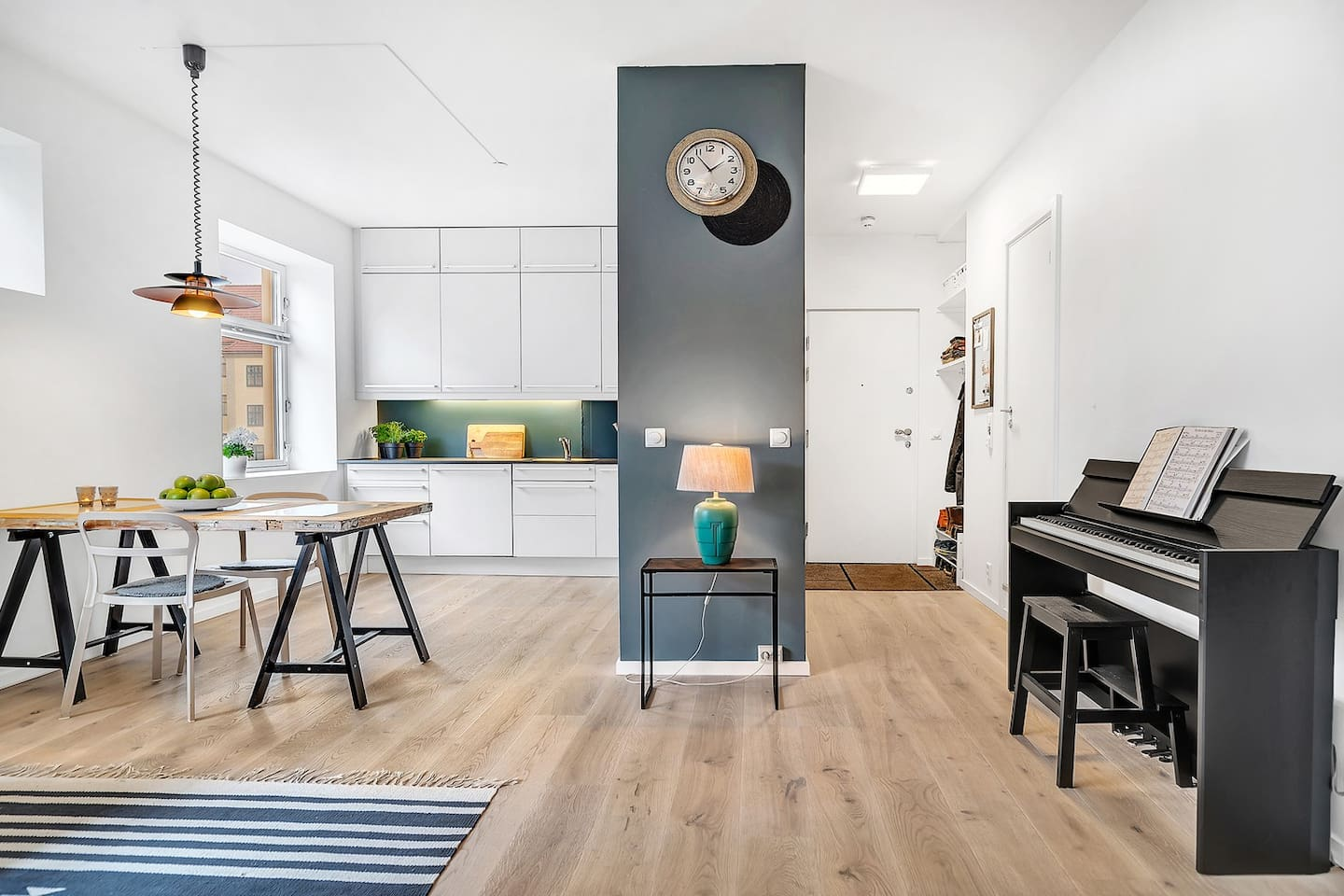 A big spacious room for kitchen and livingroom