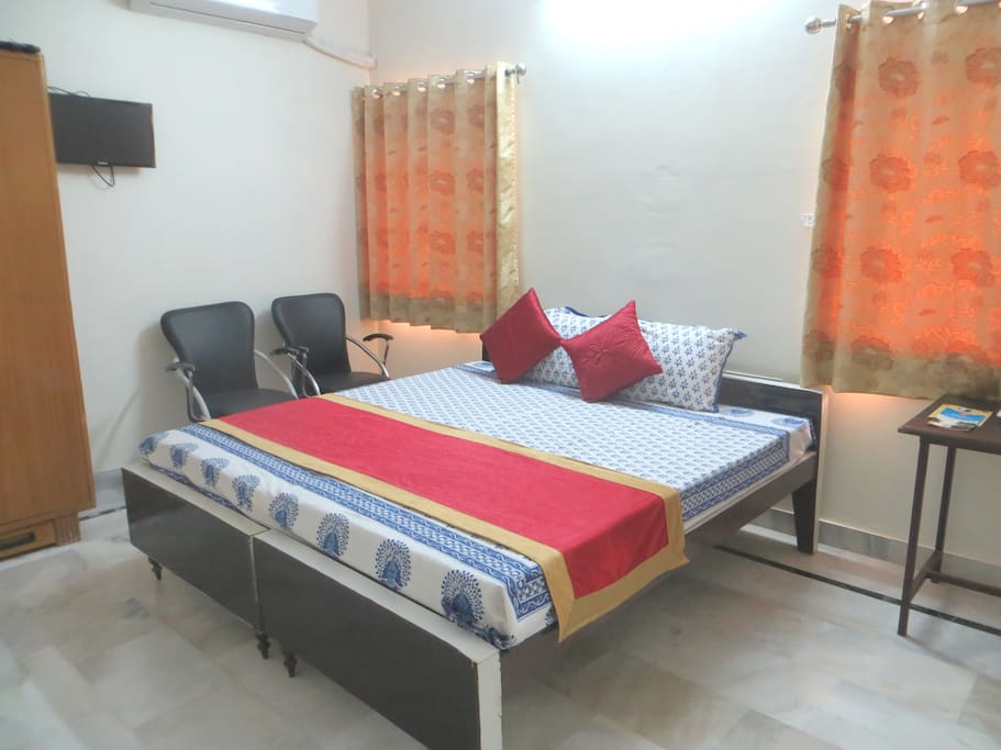 Classic Ac double bed  room (104)