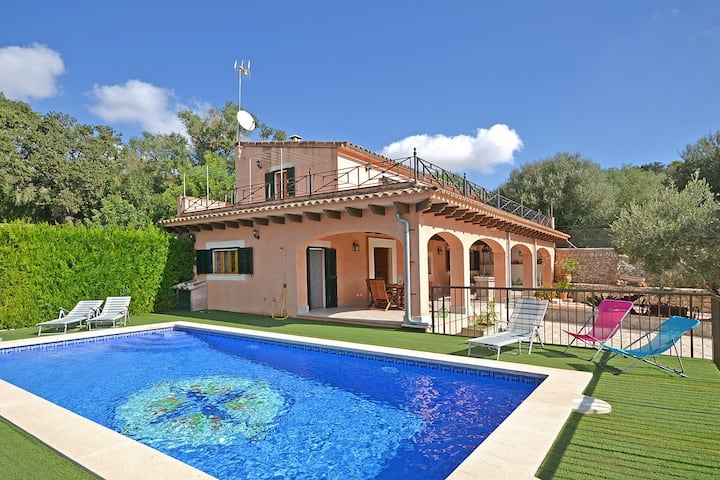VICTORI - Country house with swimming pool in Sineu