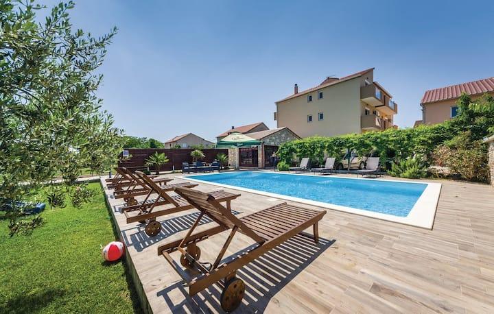 Apartments Mikulić A4+2