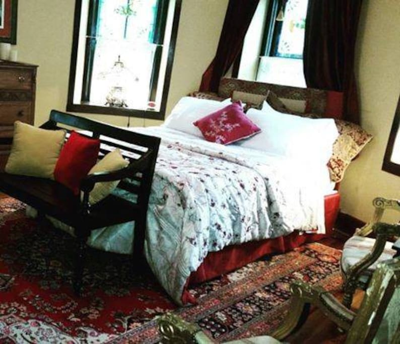 Stone Manor Bed And Breakfast Lovettsville