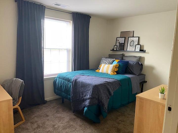 Large 4 bedroom, 2 bath apartment near Ocean City.