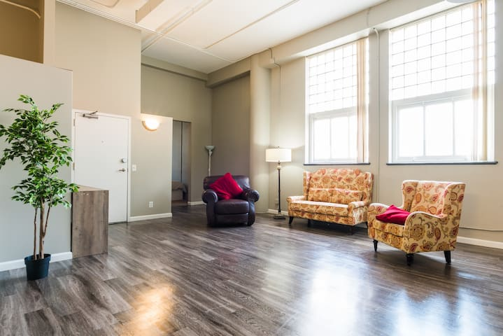 Congenial 2BR Apartment in Downtown Denver