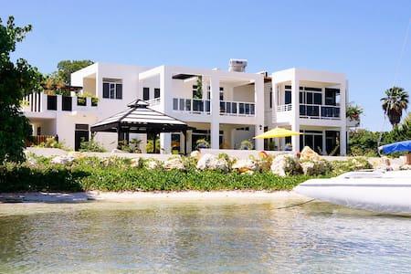 The Monicove Villa
