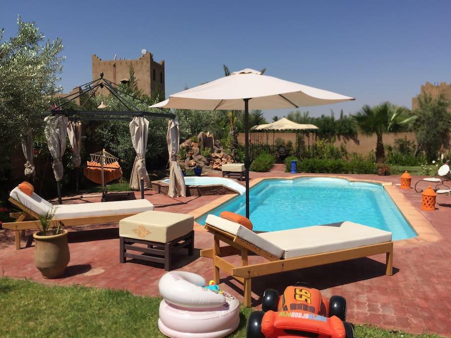 Belle villa priv piscine marrakech villas for rent in for Piscine privee marrakech
