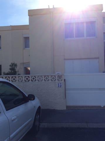 Maison individuelle dans un lotissement - Frontignan  - House