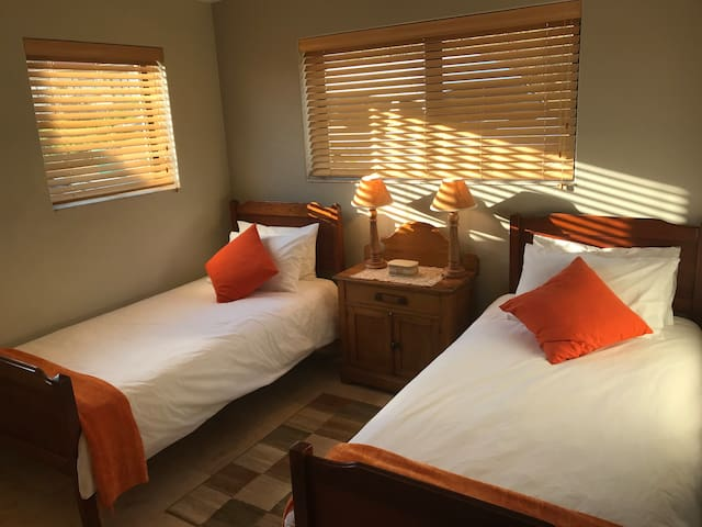 3rd Bedroom with single beds
