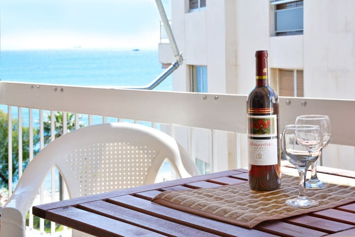 Luxury at its best beach condo in Palaio Faliro