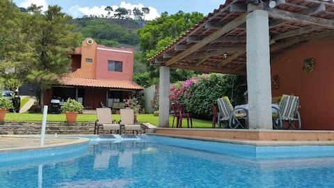 Linda y Acogedora casa en Lago Coatepeque