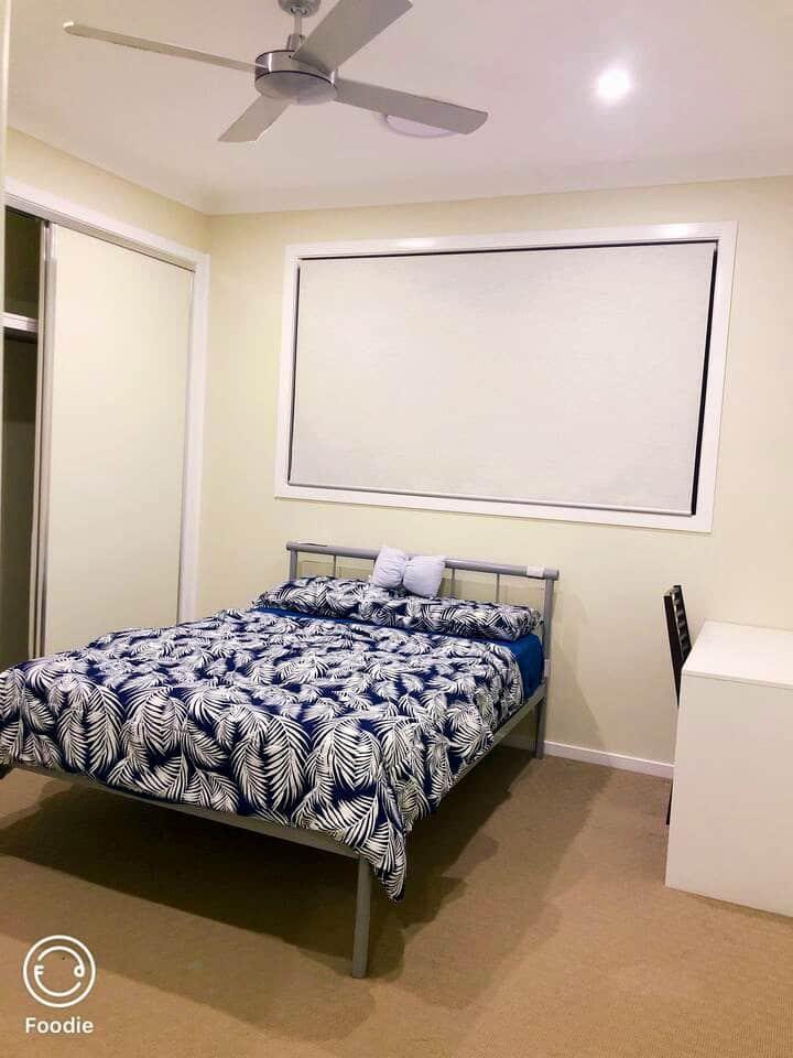Modern Style Master Room Nearby Sunnybank