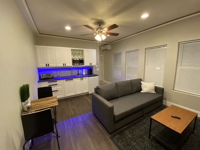 ⭐️New ⭐️Downtown Modern Apartment near Orpheum 3B