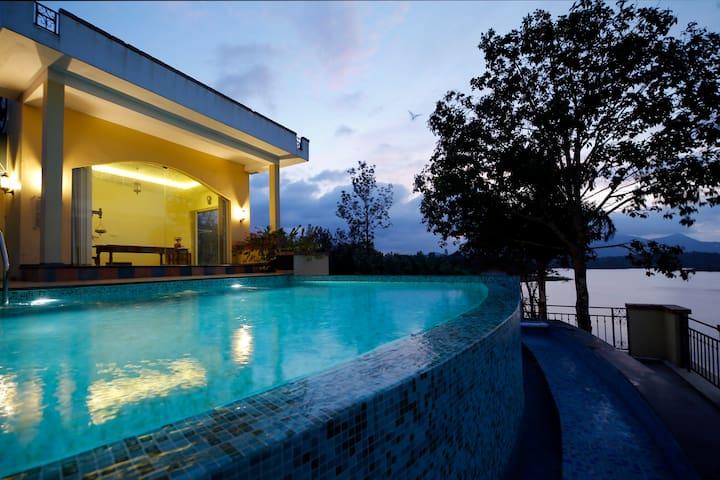 Vista Del Lago, B (1 Villa) 5.0* Overall rating.