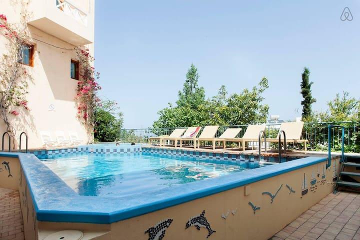 Sunny, sea view Apartment in Koutouloufari, Crete