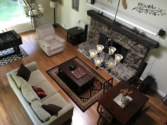 Cozy and Entertaining Guest House! - San Jose