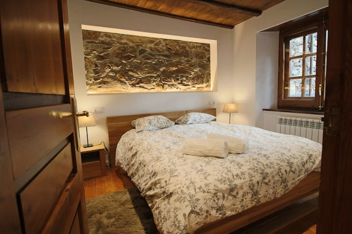 Master bedroom 160*200 brand new comfortable with smart tv  television with netflix, amazon prime access
